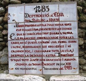 Làpida al jardí de la catedral. Foto M.T.Bernabé Garrido